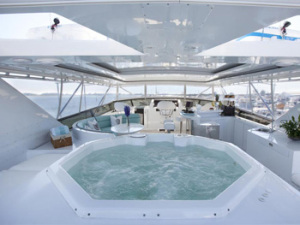 jacuzzi-on-deck