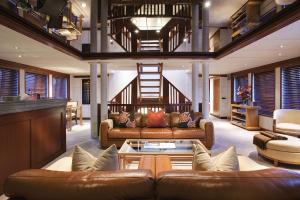 Lazy Z Motor Yacht Charters