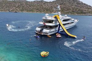 Super Yacht Lazy Z Yacht Charters