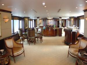 Starship Yacht Charters