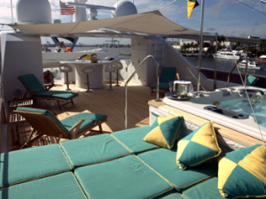 luxury-yacht-relentless